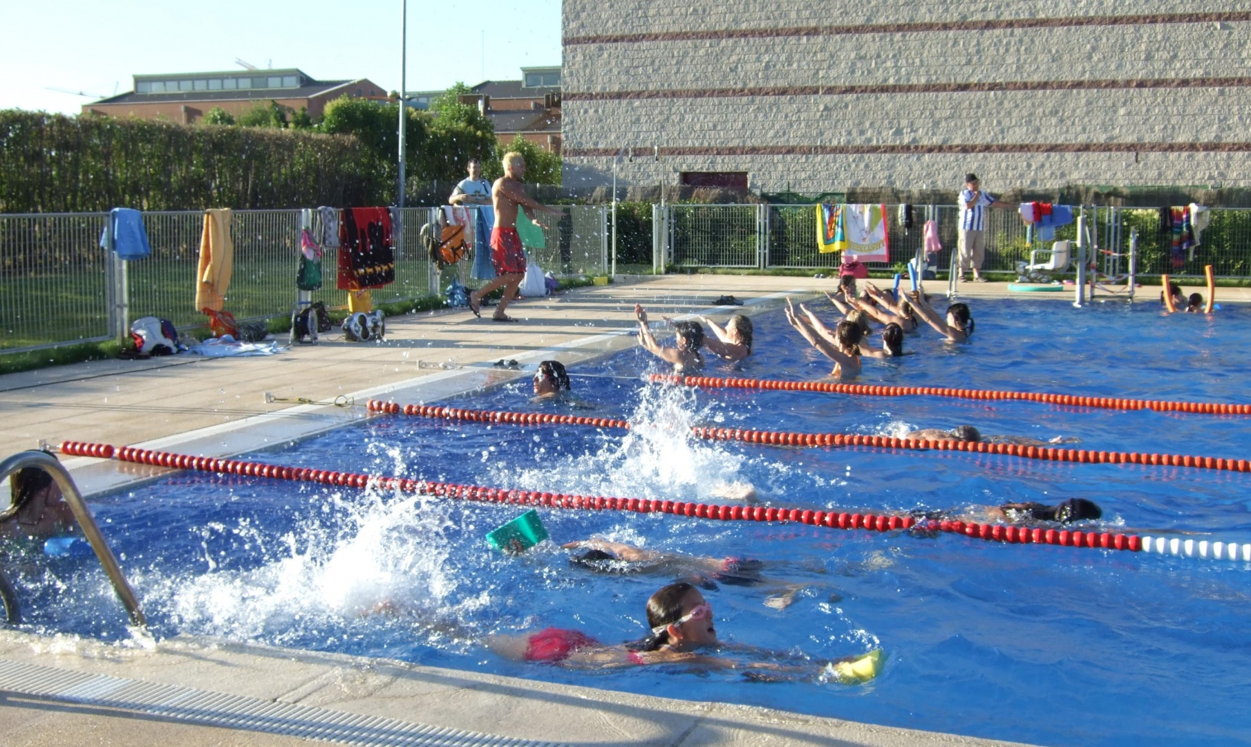 Piscina azuqueca de henares awesome mar with piscina for Piscina azuqueca de henares